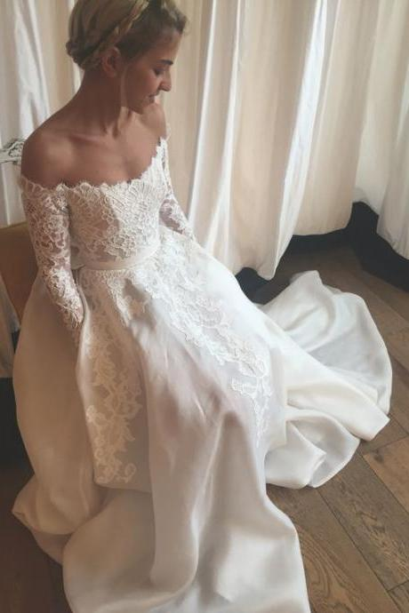 Wedding Dresses,Lace Wedding Gowns,Off-the-shoilder Bridal Dress,Long Sleeves Wedding Dress,Simple Brides Dress,Vintage Wedding Gowns,Beach Wedding Dress,W029
