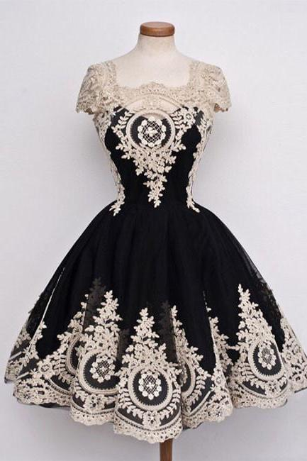 Glamorous A-Line Square Neck Black Homecoming Dress with Ivory Lace Appliques,Cap Sleeves Tulle Short Vintage Prom Dress,H107