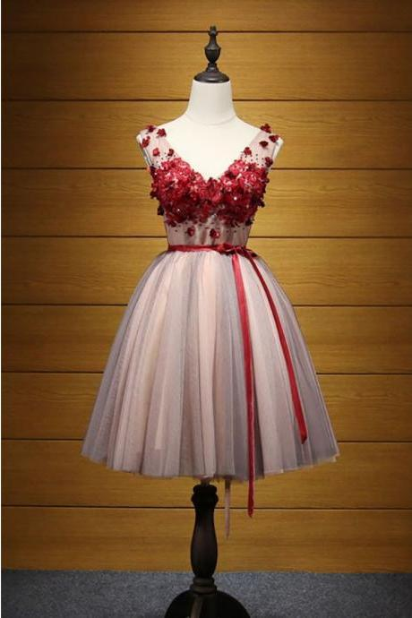 Lovely V-neck Short Tulle Homecoming Dress With Appliques,Appliqued Sleeveless Homecoming Gown,Cocktail Dress with Belt,H124