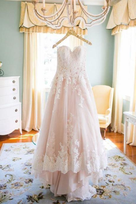 Light Blush Pink Sweetheart Wedding Gown,Princess Tulle Wedding Dress,Lace Appliqued Brides Dress,Strapless Beach Wedding Dresses,W046