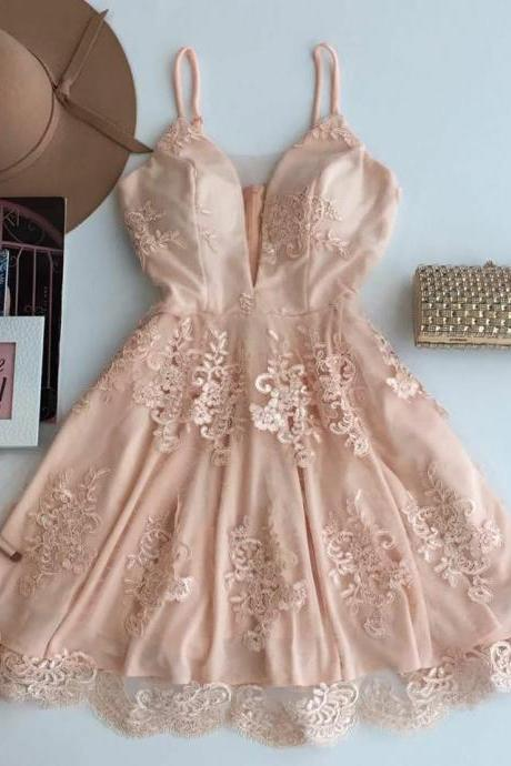 A-Line Spaghetti Straps Homecoming Dress,Short Champagne Tulle Homecoming Dress with Appliques,Deep V Neck Party Dresses,H139
