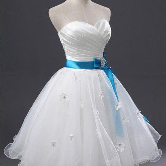 White Sweetheart Homecoming Dress Strapless Tulle Sweetheart Short Prom Dress with Blue Belt,Homecoming Gown with Flowers,H098